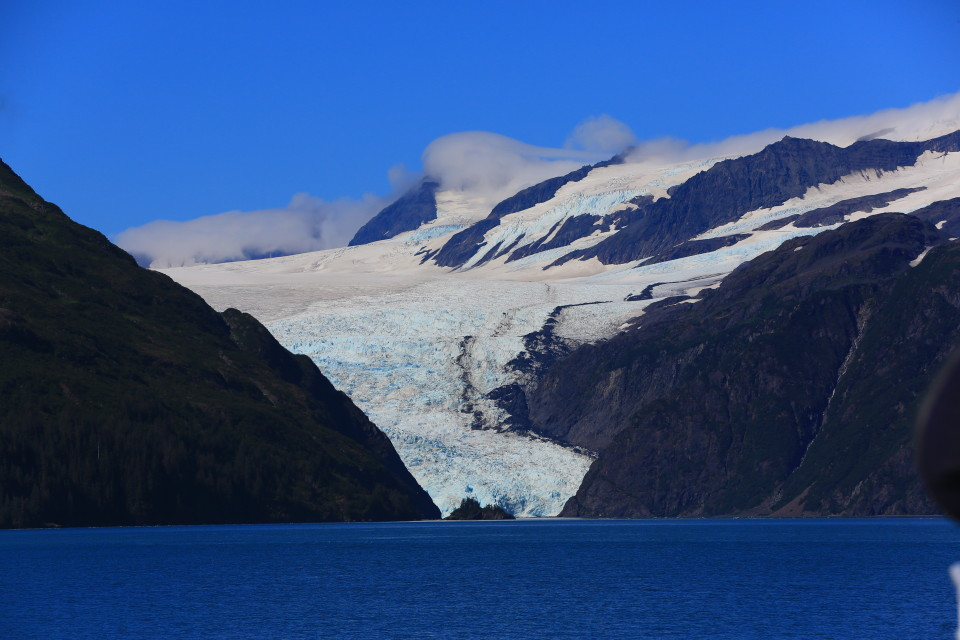 Fjords National Park was full of beautiful glaciers that touched the sea