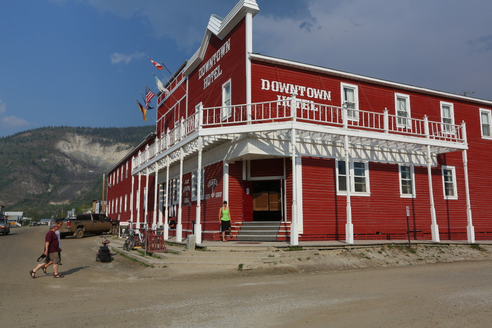 We headed for the saloon as soon as we arrived.  They had a $2 beer special, which is great for Canada!