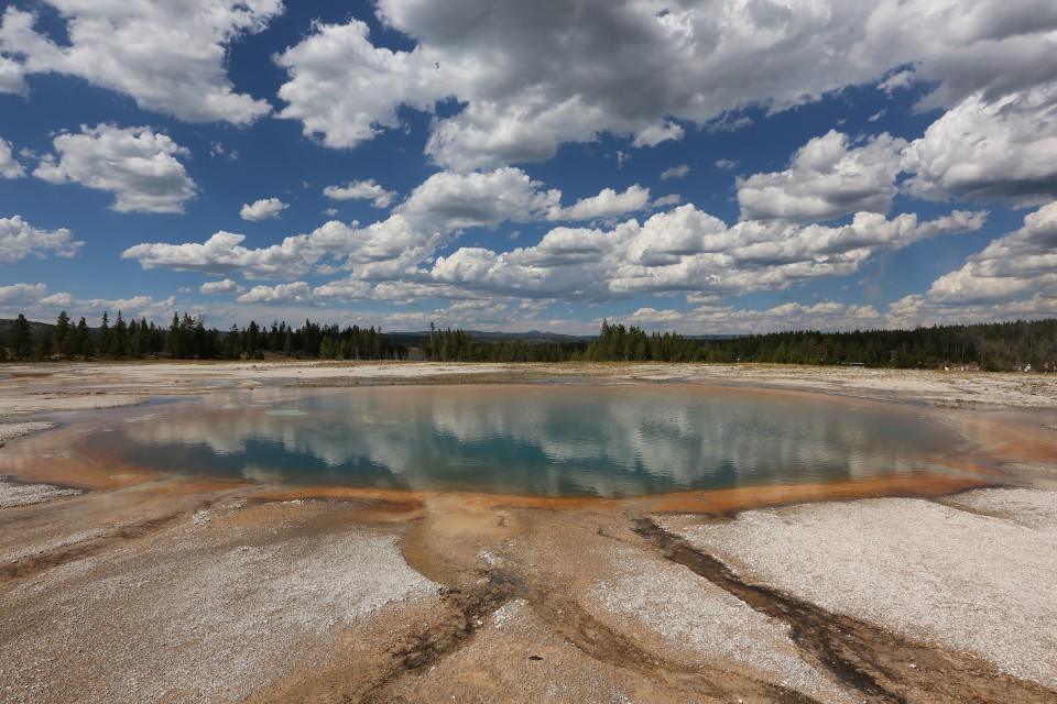 WyomingYellowstoneHotSprings3