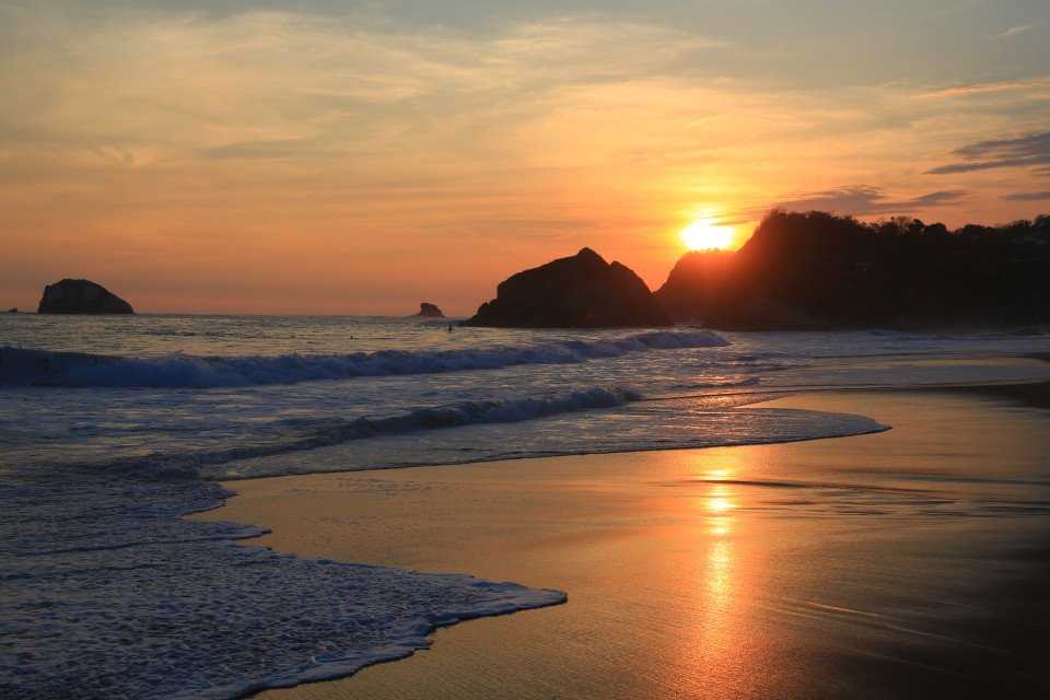 The beautiful sunset of Zipolite.