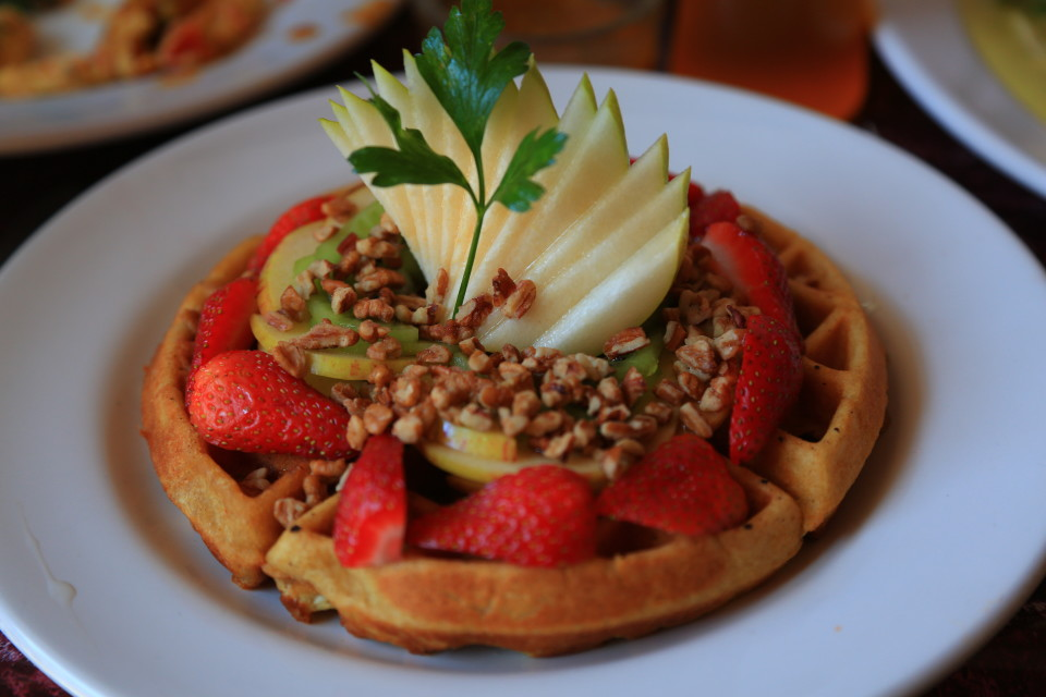 Sometimes it is fun to eat something from home, great waffles in the coffee shop with lots of fruit.