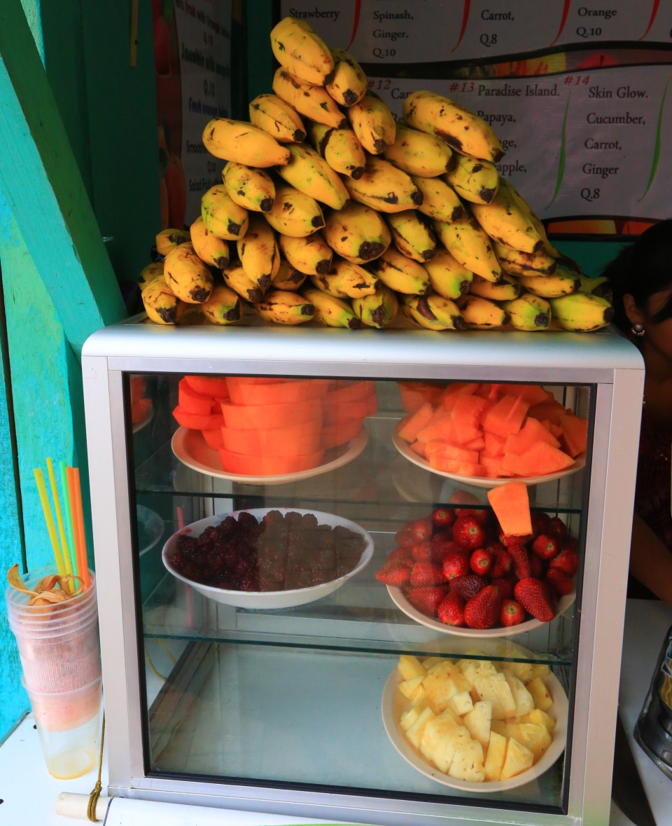 One of the things I loved about Guatemala is all the cheap fresh smoothies available everywhere. This is a country that uses blenders! They are everywhere.