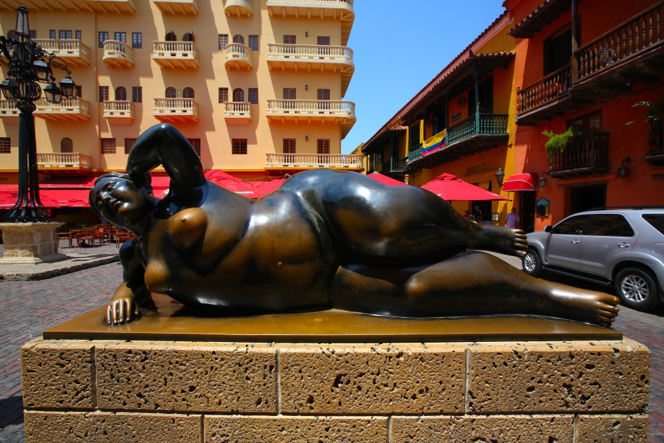 I am not sure you can do a blog post about this city without including a picture of Botero's curvy sculpture. Seemed like every tourist here was lined up to take this picture.
