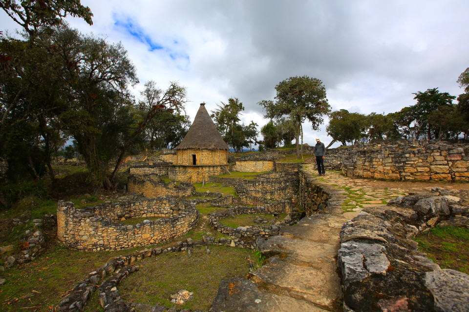 "In Aymara Chachapoyas means ""The Cloud People"" known for their light skin and fair hair. They are the ones who built this fortress."