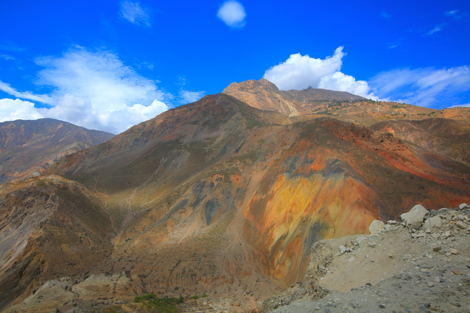 The colors of the hills on the way to the Cordillera was just stunning. Rainbow hills.
