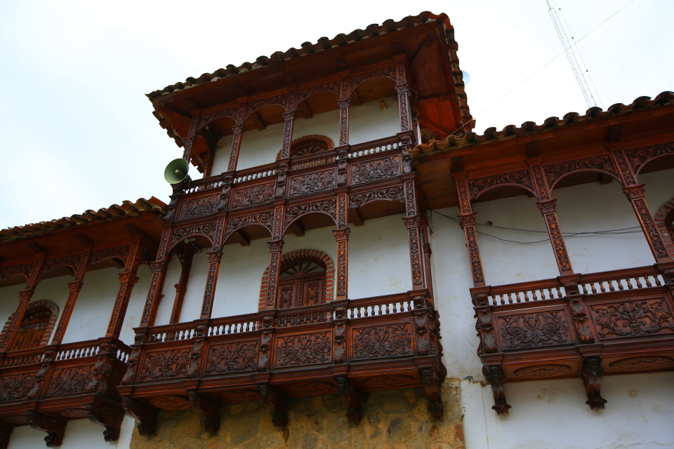 The woodwork on the balconies all over town was really intricate.