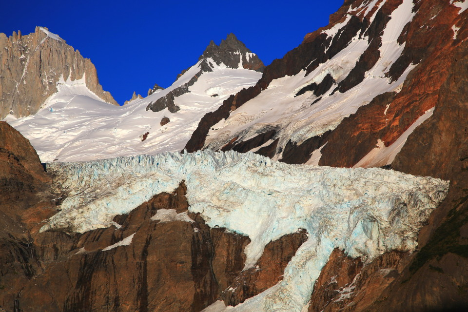 The glacier near the laguna.